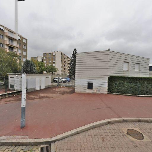 Collège Honoré de Balzac - Collège - Vénissieux