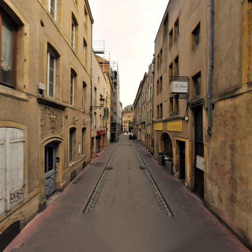 Jean-Pierre Pinet - Soins hors d'un cadre réglementé - Metz
