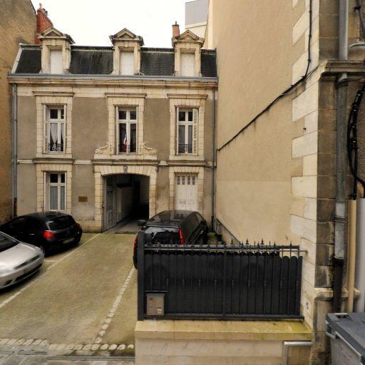 a Martine Bam Theatre la Bande - Entrepreneur et producteur de spectacles - Poitiers