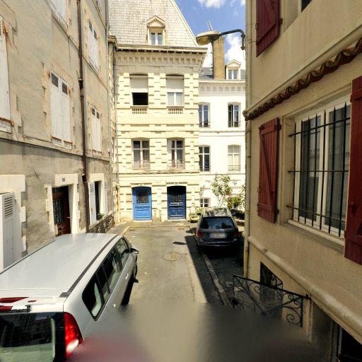 Roux Claude - Fabrication de vêtements - Biarritz