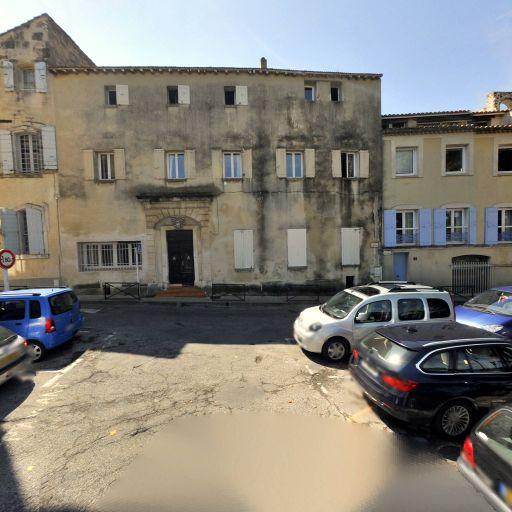 Parking Grand Prieuré - Parking - Arles