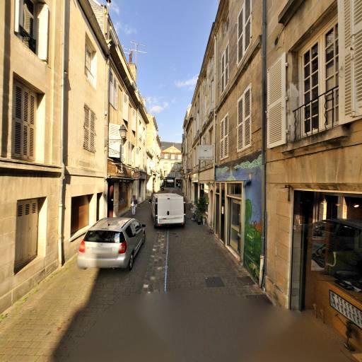Compagnie La Tarte Aux Plumes - Entrepreneur et producteur de spectacles - Poitiers