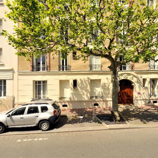 Le Capitaine Laurence - Conseil et études financières - Montreuil