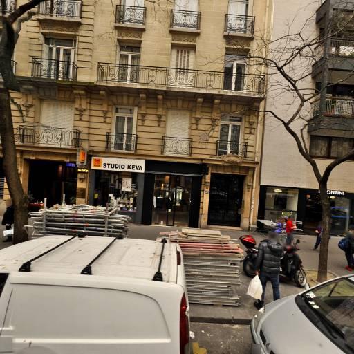 Rouge Poincare - Manucure - Paris